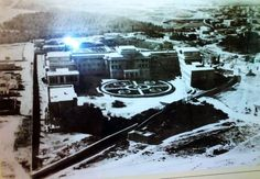 Το νοσοκομείο του Ερυθρού Σταυρού και η γύρω περιοχή (μάλλον δεκ.'30). Πίσω απ'το νοσοκομείο βλέπουμε πως ήταν η σημερινή Λ. Μεσογείων!
