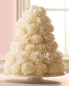 Romantic Wedding Cakes | Martha Stewart Weddings