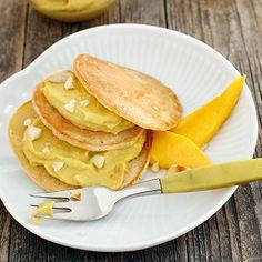 Vanilla-Pancakes mit Mango-Mandel-Creme