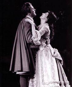 Gianni Raimondi and Anna Moffo in I Puritani