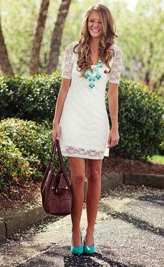I want a fitted white lace dress. First, I must be able to look good in a fitted white lace dress. Mode Chic, Mode Style, Look Fashion, Fashion Beauty, Womens Fashion, Fashion Styles, Fashion Models, Fashion Wear, Dress Fashion