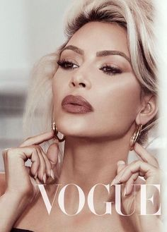 Kim Kardashian Goes Blonde for 'Vogue Taiwan' Beauty Issue - See the Photo Shoot!: Photo Kim Kardashian stuns on the cover of Vogue Taiwan's February 2018 Beauty issue, out now. The Keeping Up With The Kardashians reality star looks glamorous… Kim Kardashian Vogue, Kim Kardashian Photoshoot, Estilo Kardashian, Kardashian Family, Kardashian Style, Kardashian Jenner, Kylie Jenner, Kim Kadarshian, Taiwan