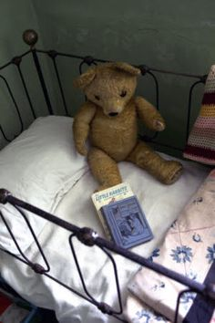 Did we just become best friends? Best Friends Child's bed and toys at Hezlett House, County Londonderry, Northern Ireland. Old Teddy Bears, Antique Teddy Bears, My Teddy Bear, Vaporwave, Baddie, Bear Doll, Old Dolls, Kawaii, Antique Toys