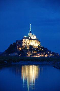 Seis dias por la Bretaña Francesa -Diarios de Viajes de Francia- Ablasko - LosViajeros Mont Saint Michel, Statue Of Liberty, Places To Go, Around The Worlds, France, Landscape, City, Summer, Travel