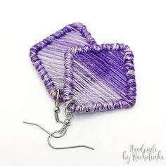 upletené z bavlniek,konštrukcia je z drôtu náušnice sú pevné, aleveľmi ľahučké na nosenie dodávané so silikónovými zarážkami proti strate... Coin Purse, Purses, Wallet, Handmade, Fashion, Handbags, Moda, Hand Made, Fashion Styles