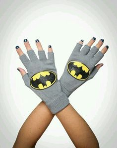 My son loves Batman and fingerless gloves! I can make fingerless gloves in no time then find scrap fabric or felt for the emblem. Batman Love, Batman And Superman, Batman Stuff, Batman Outfits, Batman Shoes, Nananana Batman, Nerd Fashion, Punk Fashion, Matou