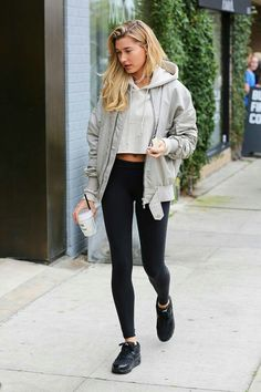 Layers ~ Hailey Baldwin | Pinterest: callistacvs (for more inspirations! Hair, makeup/beauty, celebrities, airport styles, accessories, sneakers/shoes, bathing suits/bikini, inspirational quotes)