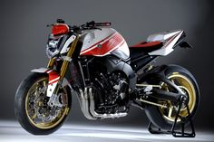 FIAT is sponsoring YAMAHA moto GP works team. As you know Yamaha runs FIAT colored machine. Then Yamaha released street Abarth version based. Yamaha Byson, Yamaha Motorcycles, Custom Motorcycles, Custom Bikes, Ducati, Gif Motos, Xjr, Sportbikes, Street Bikes