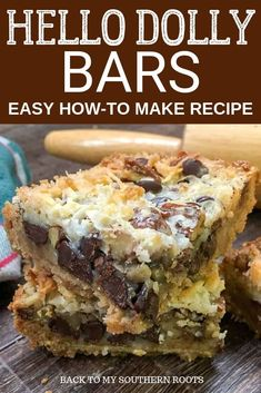 cookie desserts Hello Dolly Bars, with sweetened condensed milk, are one of the best desserts out there. I love this recipe for Hello Dolly cookie bars (also known as Magic Bars), and Mini Desserts, Easy Desserts, Coconut Desserts, Best Desserts To Make, Easy Chocolate Desserts, Best Dessert Recipes, Dessert Simple, Easy Dessert Bars, Magic Cookie Bars