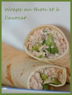 au thon et l'avocat Healthy grilled chicken and ranch wraps are loaded with chicken, cheese and ranch. These tasty wraps come together in under 15 minutes and make a great lunch or snack! Ranch and chicken are a match made Easy Healthy Recipes, Healthy Snacks, Easy Meals, Avocado Wrap, Food Porn, Healthy Grilling, Bruchetta, Wrap Sandwiches, Clean Eating Snacks