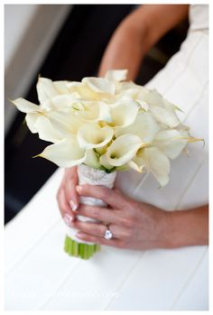 White Calla Lilly Bouquet with some purple lavender in there would be perfect