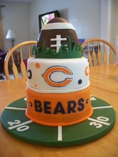 Astounding 29 Best Chicago Bears Cakes Images Chicago Bears Cake Bear Personalised Birthday Cards Paralily Jamesorg