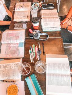 Christian Friends, Christian Girls, Christian Life, Christian Quotes, Bible Notes, My Bible, Bible Art, Bff, Besties