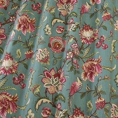 The iLiv Linden fabric is an intricate traditional floral print that embraces a vintage style. The Linden fabric is a great combination if your looking for that traditional statement look. Available in two natural colours; Red Earth and Azure.