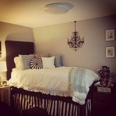 Dorm room. Love the black n white. Cute and classic.