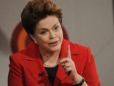 """Presidente falou a rádio de Presidente Prudente na manhã desta quarta. Ela criticou os que torcem pela crise para poder 'pescar em águas turvas'.  Esse método, que é querer utilizar a crise como um mecanismo para você chegar ao poder, é uma versão moderna do golpe""""Dilma Rousseff, presidente A presidente Dilma Rousseff afirmou nesta…"""