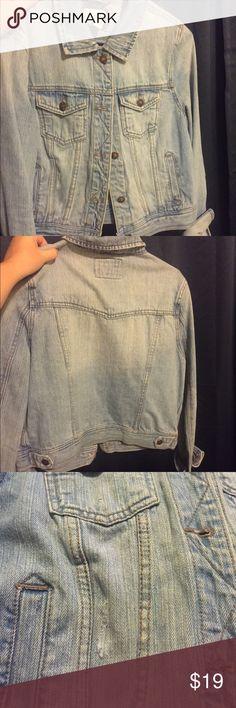 """Forever 21 destroyed look jean jacket Comfy jean jacket, great condition, """"semi- destroyed look"""", light colored Forever 21 Jackets & Coats Jean Jackets"""
