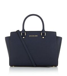 For some women, buying an authentic designer bag is not something to dash into. Because they hand bags can certainly be so high priced, women usually worry over their choices prior to making an actual ladies handbag acquisition. Mk Handbags, Handbags Michael Kors, Luxury Handbags, Fashion Handbags, Designer Handbags, Ladies Handbags, Fashion Bags, Trendy Handbags, Designer Purses