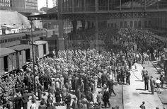 DESPEDIDA DIVISIÓN AZUL: Madrid, 13-7-1941.- Despedida multitudinaria a los voluntarios de la División Azul en la estación del Norte.- Efe/Hermes Pato/jt