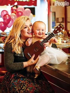 Best Kelly Clarkson Quotes on Body Image, Motherhood, Music : People.com