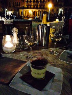 Starting a night with a tiramisu & Proseco • bella serata in Venice