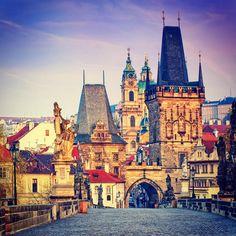 Top 10 des choses essentielles à voir ou à faire à Prague, la plus belle ville d'Europe   Topito