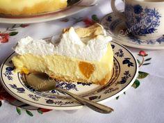 Tarta fara coacere cu branza, fructe si bezea | Laura Laurențiu Camembert Cheese, Cheesecake, Dairy, Desserts, Food, Sweets, Pie, Tailgate Desserts, Deserts