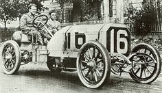 George Robertson poses at the wheel of his Locomobile prior to the start of the 1908 Vanderbilt Cup