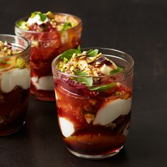 Dessert Misc: Orange and Yogurt Parfaits with Red Wine Caramel @keyingredient #quick #dessert #caramel