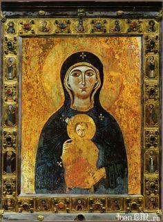 Икона Божией Матери Никопея (βρεφοκρατούσα )   Византия, X век.  Собор Сан Марко, Венеция