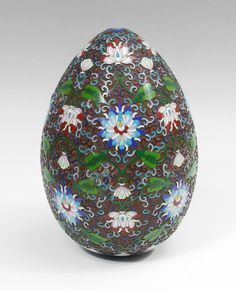 LARGE CHINESE CLOISONNE EGG : Lot 1154