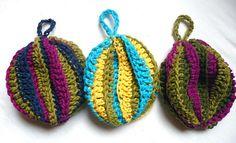 crochet dish scrubbies, great scrap yarn project