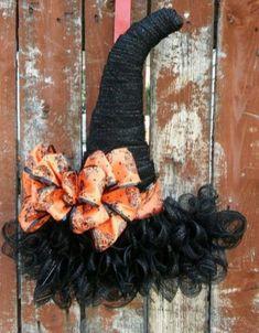 Creative diy halloween wreaths design ideas (35)
