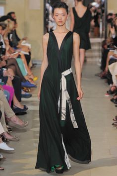 Bouchra Jarrar Fall 2012 Couture - love the oriental style of this dress