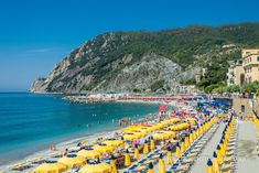 The main beach of Monterosso and the small beaches of the other villages: Riomaggiore, Corniglia, Vernazza. There is no beach in Manarola. Amazing Destinations, Travel Destinations, Travel Tips, Honeymoon Attire, Riomaggiore, What To Pack, Dolores Park, Images, Italy