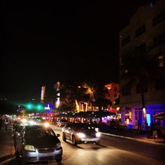 #oceandrive #florida #miami Ocean Drive, Times Square, Miami, Florida, Travel, Viajes, Trips, Traveling, Tourism