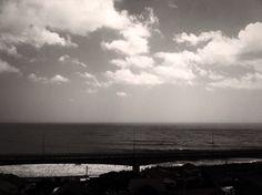水平線が傾く photo by Tsutomu Komine