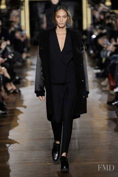 Photo feat. Joan Smalls - Stella McCartney - Autumn/Winter 2014 Ready-to-Wear - paris - Fashion Show | Brands | The FMD #lovefmd