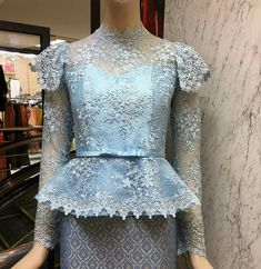 Traditional Thai Clothing, Traditional Fashion, Traditional Dresses, African Attire, African Dress, Batik Dress, Lace Dress, Formal Dresses With Sleeves, Thai Dress