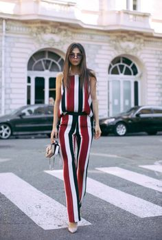 We love this amazing striped streetstyle look.