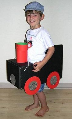 costume for young child/cardboard train Cardboard Train, Cardboard Box Crafts, Cardboard Castle, Train Costume, Drake's Birthday, Train Activities, Kids Dress Up, Train Party, Family Halloween Costumes