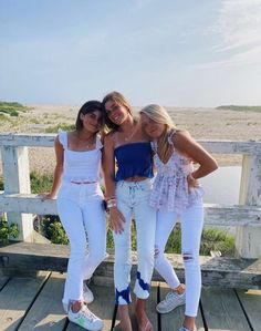 Cute Summer Outfits, Spring Outfits, Trendy Outfits, Cute Outfits, Cute Friend Pictures, Best Friend Pictures, Friend Pics, Cute Poses, Summer Aesthetic