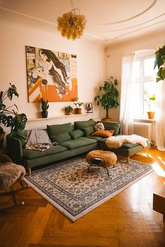 Home Interior Design .Home Interior Design Boho Living Room, Home And Living, Living Room Warm Colors, Cozy Living Room Warm, Retro Living Rooms, Living Room Decor Green Couch, Colorful Living Rooms, Colourful Home, Midcentury Modern Living Room