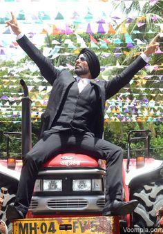 Akshay Kumar, Amy Jackson and Prabhudheva launch Singh Is Bliing trailer