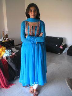Mahira Khan looks amazing in traditional wear. Indian Salwar Suit, Indian Anarkali, Anarkali Suits, Indian Look, Indian Wear, Indian Attire, Indian Style, Indian Ethnic, Pakistani Outfits