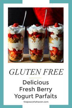 EASY and DELICIOUS fresh berry yogurt parfaits!!!  #yogurt #dessert #breakfast #keto #berries #glutenfree #sugarfree #grainfree