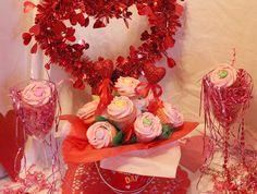 """4"""" cupcake bouquet w mini Sweetheart Be Mine-tini cupcakes"""