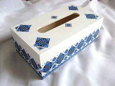 #Cutie #şervetele, #motiv #tradiţional #românesc, #modele #geometrice, #culori #albastru şi #negru / #Towel #box, #Romanian #traditional #motif, #geometric #design, #blue and #black #colors / #타올 #상자, #루마니아 #전통 #주제, #기하학적 #무늬, #파랑 #및 #검정색 http://handmade.luxdesign28.ro/produs/cutie-servetele-motiv-traditional-modele-geometrice-albastru-si-negru-29170/