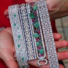 These Art Deco bracelets are amazingly beautiful. 3 or 4 ? Bijoux Art Deco, Art Deco Jewelry, Fine Jewelry, Antique Jewelry, Vintage Jewelry, Antique Art, Ruby And Diamond Necklace, Diamond Jewellery, Lotus Jewelry