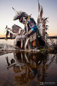 A First Nations traditional ceremony outfit.(Mi'kmaq tribe Warrior and Dancer). First Nations people are known for their pow wow gatherings where they dress traditionally, do pow wow drumming, and dance their traditional dances. Native American Beauty, American Indian Art, Native American History, American Indians, Native American Horses, Native American Warrior, Native Indian, Native Art, Foto Fantasy
